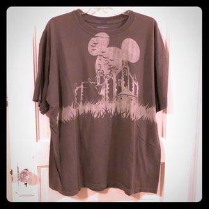 Disneyworld Mickey Mouse haunted mansion t-shirt
